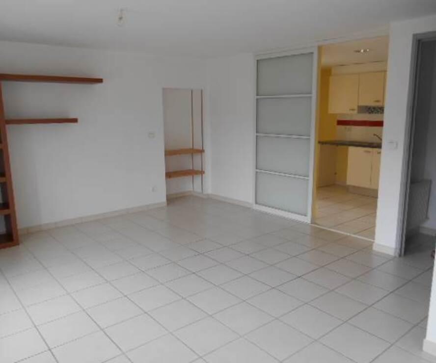 Location Appartement 3 pièces 59m² Amplepuis (69550) - photo