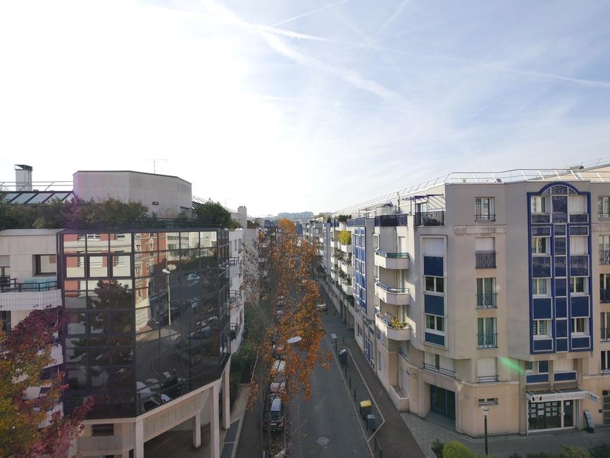 Location Appartement 3 pièces 74m² Suresnes (92150) - photo