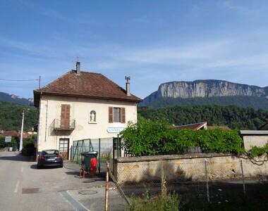 Vente Maison 10 pièces 200m² Saint-Christophe-sur-Guiers (38380) - photo