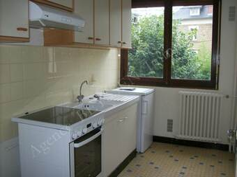 Location Appartement 1 pièce 30m² Brive-la-Gaillarde (19100) - photo