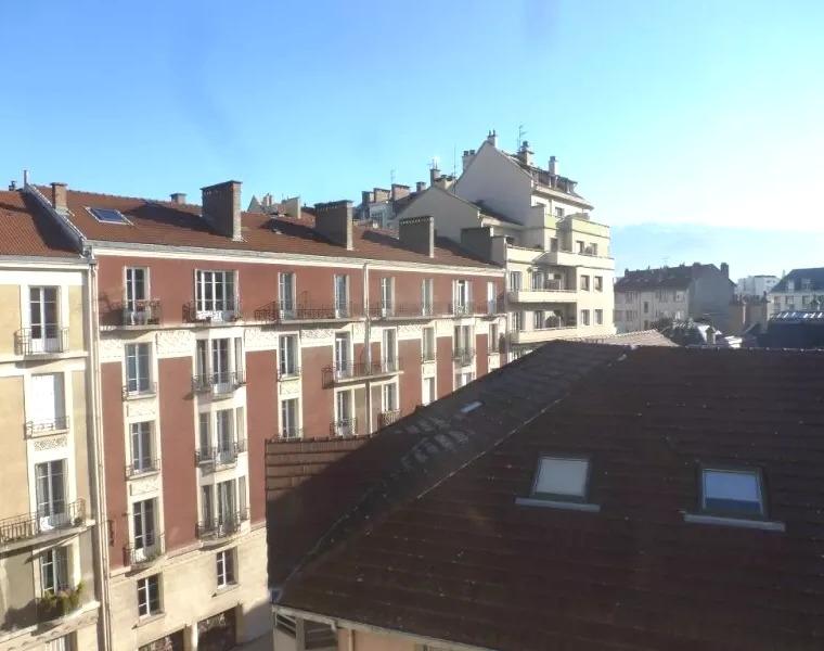 Renting Apartment 2 rooms 66m² Grenoble (38000) - photo