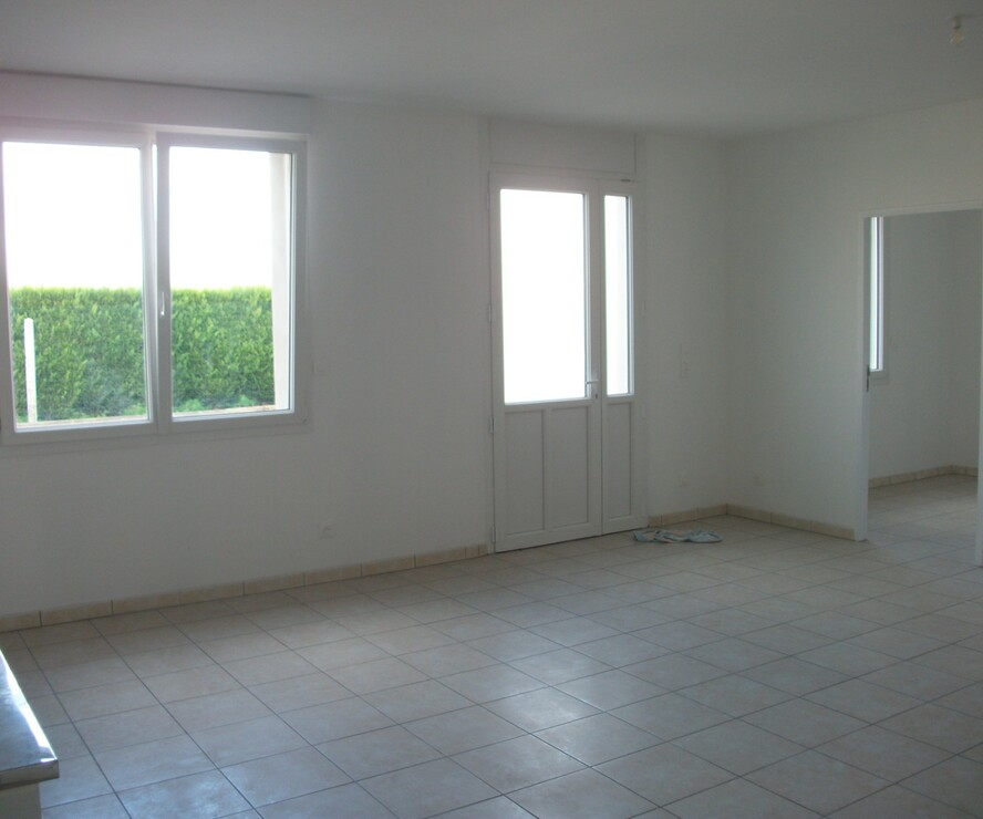Location Appartement 5 pièces 82m² Bichancourt (02300) - photo