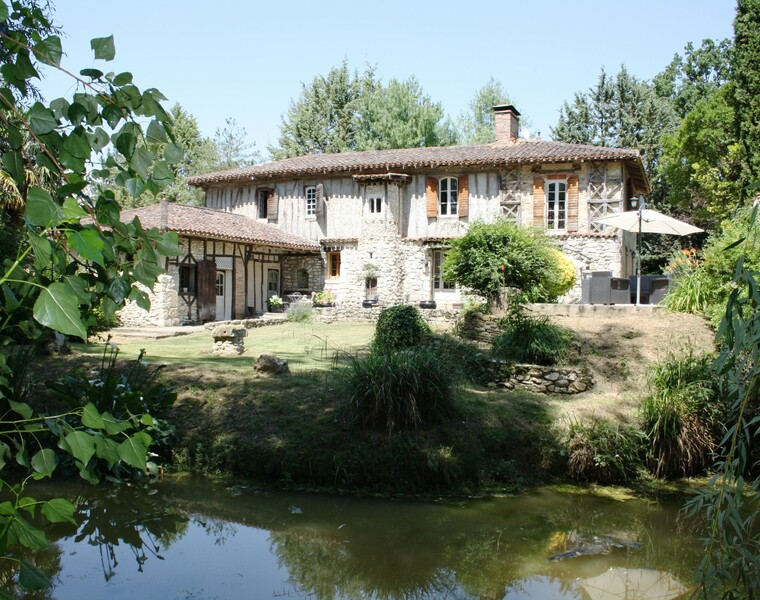 Sale House 12 rooms 270m² L'ISLE JOURDAIN / GIMONT - photo
