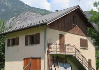 Vente Maison 4 pièces 70m² Le Bourg-d'Oisans (38520) - Photo 1