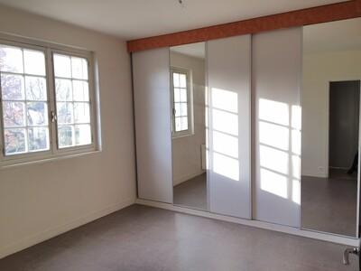 Location Maison 6 pièces 146m² Sury-le-Comtal (42450) - Photo 14