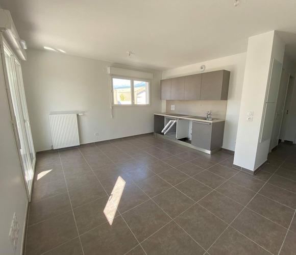 Location Appartement 2 pièces 40m² Saint-Martin-d'Hères (38400) - photo