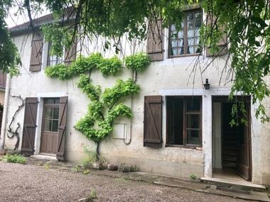 Sale House 140m² Montbozon (70230) - photo