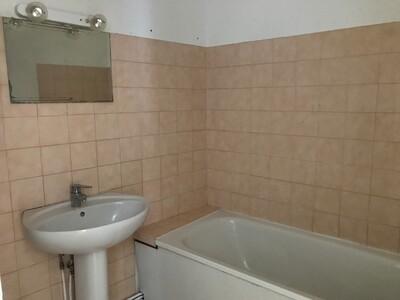 Location Appartement 2 pièces 45m² Saint-Étienne (42000) - Photo 7