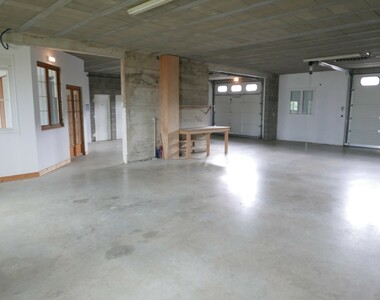 Location Local commercial 185m² Vaugneray (69670) - photo