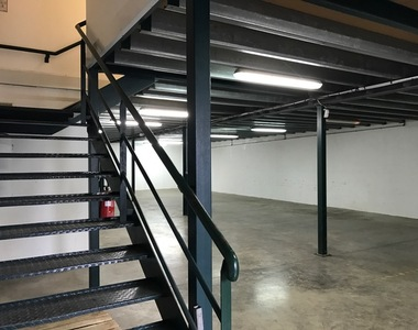Location Local industriel 360m² Sainte-Marie (97438) - photo