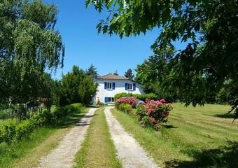 Vente Maison 12 pièces 296m² Hauterives (26390) - Photo 1