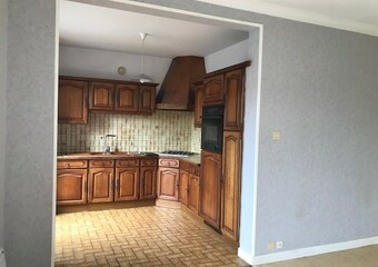 Renting Apartment 3 rooms 68m² Lure (70200) - Photo 1