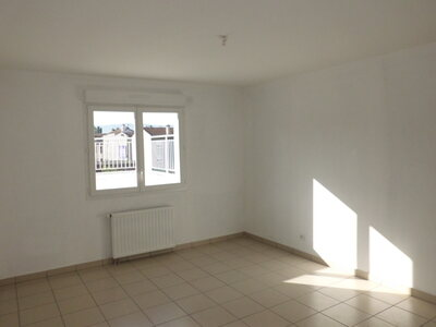 Location Appartement 4 pièces 111m² Saint-Priest-en-Jarez (42270) - Photo 10