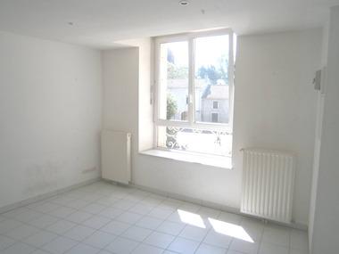 Location Appartement 1 pièce 30m² Neufchâteau (88300) - photo
