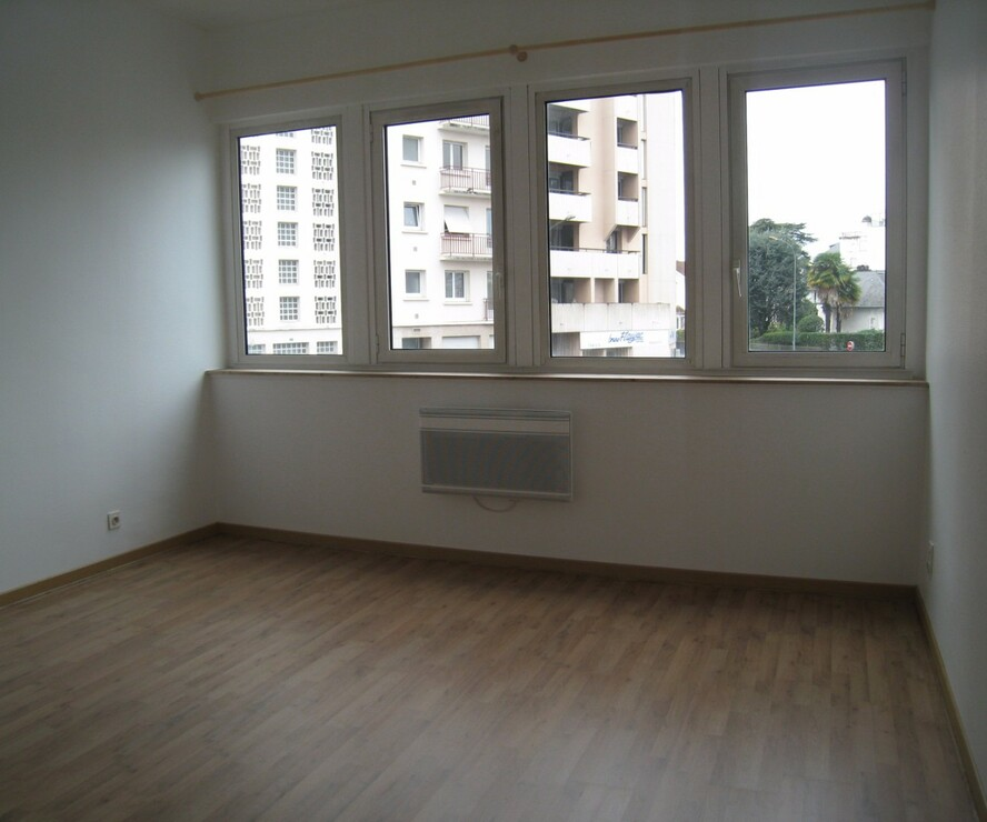 Renting Apartment 1 room 23m² Pau (64000) - photo