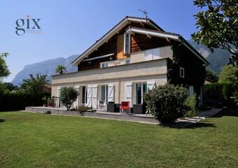 Sale House 7 rooms 220m² Saint-Ismier (38330) - photo