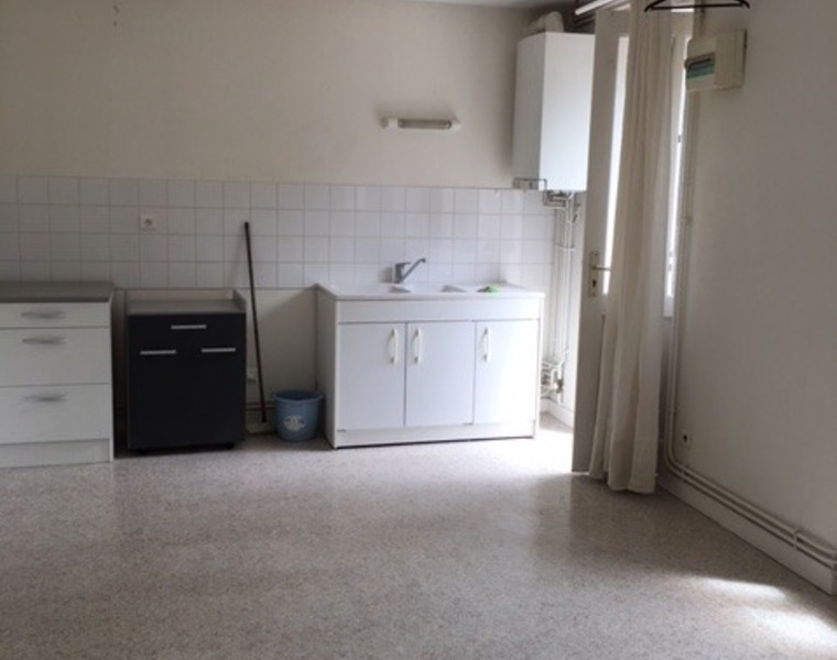 Location Appartement 40m² La Clayette (71800) - photo