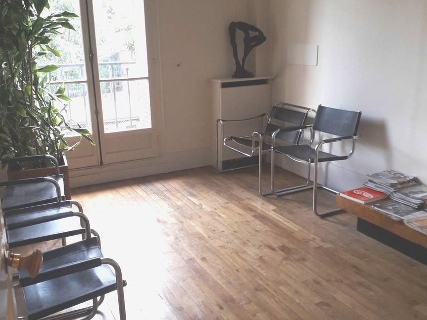 Sale Apartment 4 rooms 77m² Paris 19 (75019) - photo