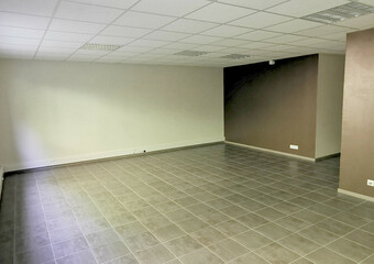Location Local commercial 2 pièces 51m² Le Pont-de-Beauvoisin (73330) - Photo 1