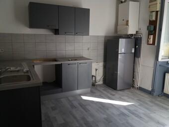 Location Appartement 70m² Amplepuis (69550) - photo 2