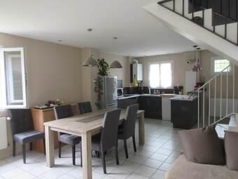 Location Appartement 3 pièces 65m² Saint-Laurent-de-Mure (69720) - photo
