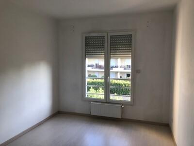 Location Appartement 2 pièces 74m² Savigneux (42600) - Photo 9