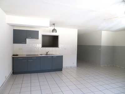 Location Appartement 71m² Billom (63160) - photo