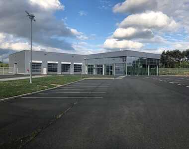 Vente Local industriel 9 pièces 1 180m² Gien (45500) - photo