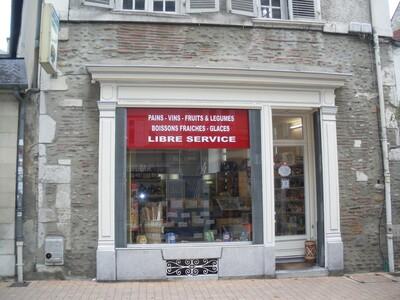 Location Local commercial 2 pièces 46m² Pau (64000) - Photo 1