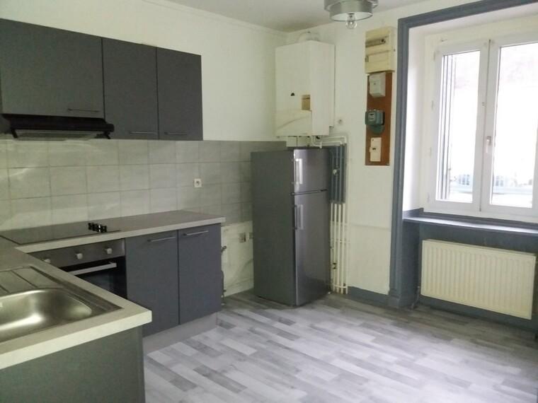 Location Appartement 70m² Amplepuis (69550) - photo