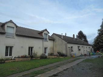 Vente Maison 6 pièces 209m² à proximité de La Fere - photo