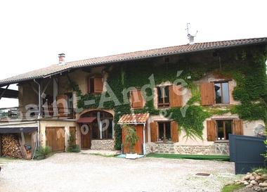 Vente Maison 10 pièces 1 148m² Saint-Étienne-de-Saint-Geoirs (38590) - photo