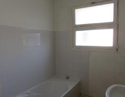 Location Appartement 4 pièces 78m² Pau (64000) - Photo 8