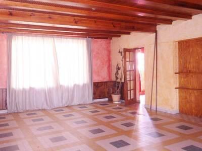 Vente Maison 15 pièces 440m² Saint-Dier-d'Auvergne (63520) - Photo 16