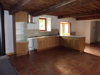 Location Maison 5 pièces 149m² Grézieux-le-Fromental (42600) - photo