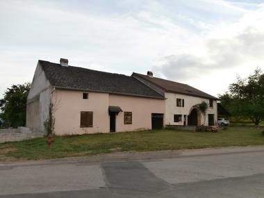 Vente Maison 5 pièces 100m² PROCHE ST LOUP SUR SEMOUSE - photo