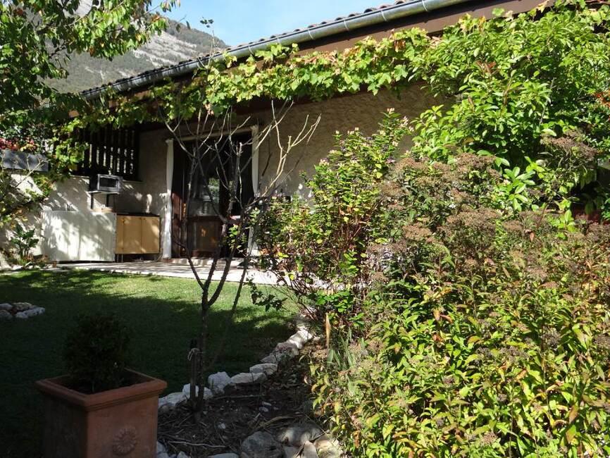 Vente Maison 7 pièces 175m² Saint-Nazaire-les-Eymes (38330) - photo