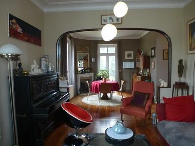 Sale House 8 rooms 217m² Nogent-le-Roi (28210)