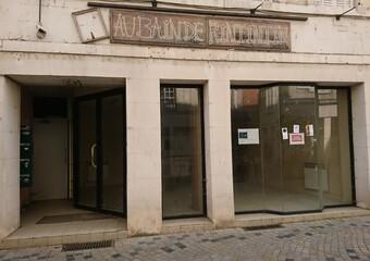 Location Local commercial 1 pièce 34m² Argenton-sur-Creuse (36200) - Photo 1