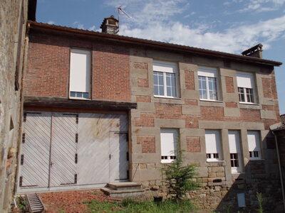 Location Maison 3 pièces 98m² Saint-Genest-Lerpt (42530) - photo