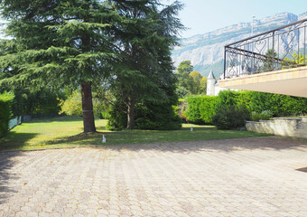 Vente Maison 8 pièces 199m² Montbonnot-Saint-Martin (38330)