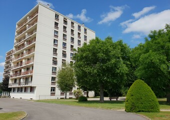 Vente Appartement 4 pièces 77m² Bourgoin-Jallieu (38300) - Photo 1