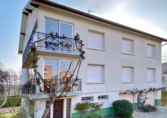 Sale House 8 rooms 200m² Lure (70200) - Photo 1