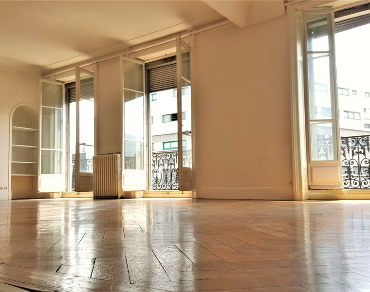Renting Apartment 4 rooms 150m² Grenoble (38000) - photo