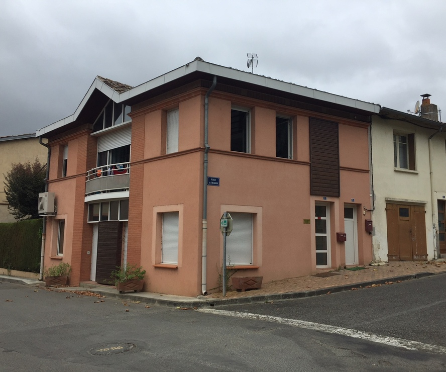 Location Local commercial 3 pièces 68m² Lombez (32220) - photo
