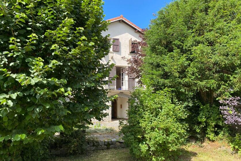 Vente Maison 10 pièces 328m² Montfaucon-en-Velay (43290) - photo