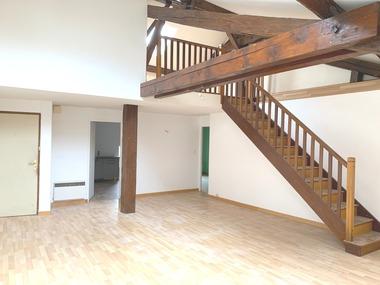 Location Appartement 3 pièces 90m² Darney (88260) - photo