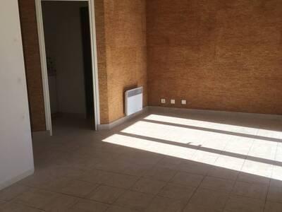 Location Bureaux 2 pièces 45m² Pontonx-sur-l'Adour (40465) - Photo 5