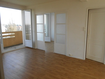 Location Appartement 4 pièces 83m² Chauny (02300) - photo