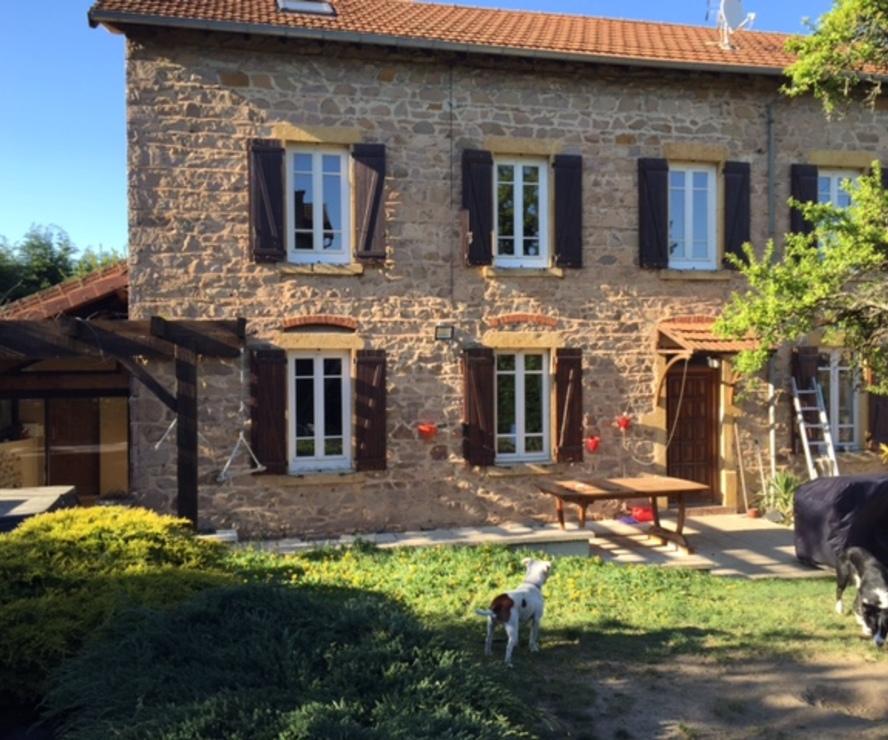 Location Maison 7 pièces 250m² Cours-la-Ville (69470) - photo